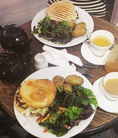 Lunch at Quilliam Brothers' Teahouse