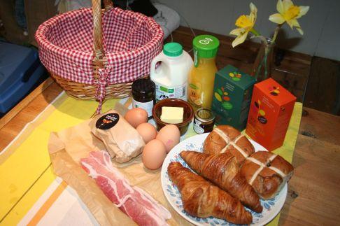 Hesleyside Huts Breakfast Hamper